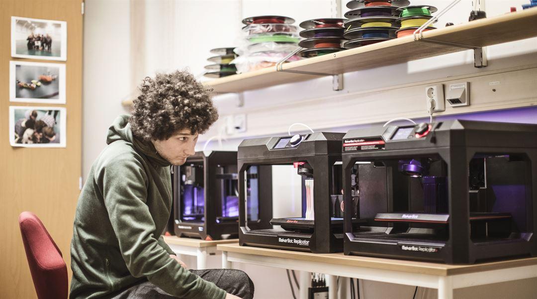 Studenternas 3D-labb sportteknologi och maskiningenjör