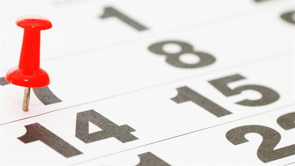 Kalenderblad med nål på den 7:e