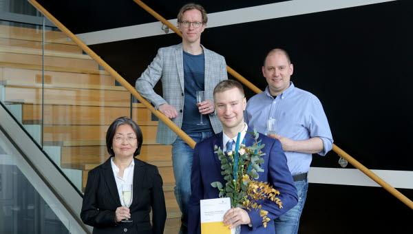 Biträdande handledare Stefan Forsström, Patrik Österberg, handledare Prof. Tingting Zhang och Johannes Lindén, doktorand.
